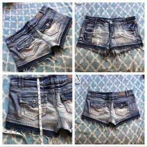 Distressed Short shorts
